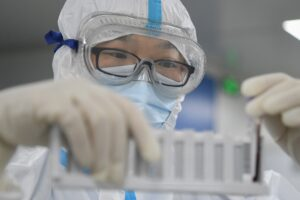 Il mistero del laboratorio di Wuhan da cui sarebbe uscito il coronavirus