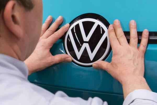 Scandalo Dieselgate, condannata Volkswagen: deve rimborsare chi ha comprato un'auto con le emissioni truccate