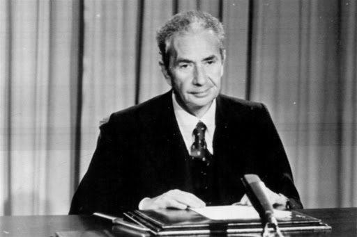 Quando Aldo Moro salvò l'Italia, storia del luglio '60
