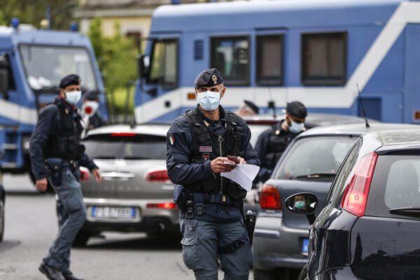 Autocertificazione fai da te, in Campania niente modulo: come ci si muoverà tra le province