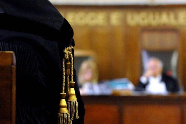 La giustizia italiana bocciata dall'Europa: Processi-lumaca in una giungla di norme
