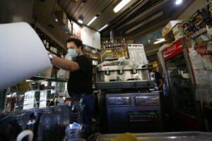"""Bar, parrucchieri e ristoranti: riapertura dal 18 maggio, """"le linee da seguire"""""""