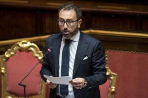 Bonafede presenta la sua riforma del Csm, incarichi meritocratici e stop a correnti