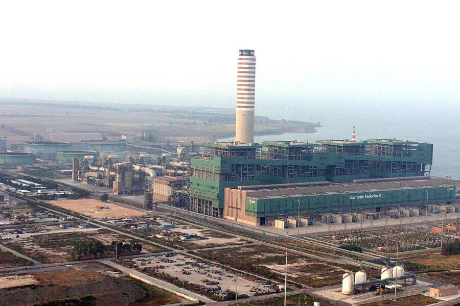 Enel per l'ambiente, dismissione anticipata per due impianti a carbone