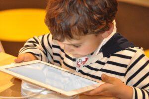 Coronavirus, nasce in Campania la prima app di teleriabilitazione per bimbi con disturbo dell'apprendimento