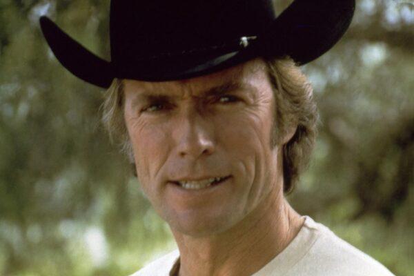 Clint Eastwood compie 90 anni, la leggenda del cinema fu scoperta da Sergio Leone