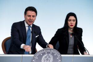 Decreto scuola, trovato l'accordo sul concorso docenti: 32 mila assunzioni dopo l'estate