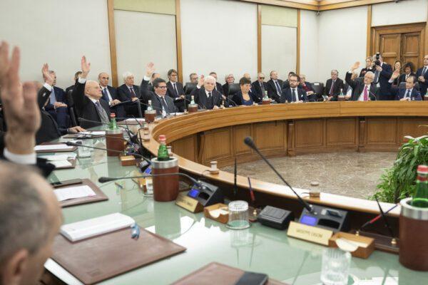 Il Csm diventa sovranista e la politica se ne frega