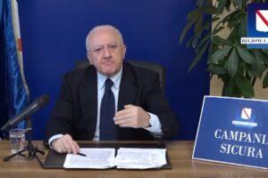"""Zero contagi, movida fino alle 2 e attacco a Report, De Luca """"Campania esempio d'Italia"""""""
