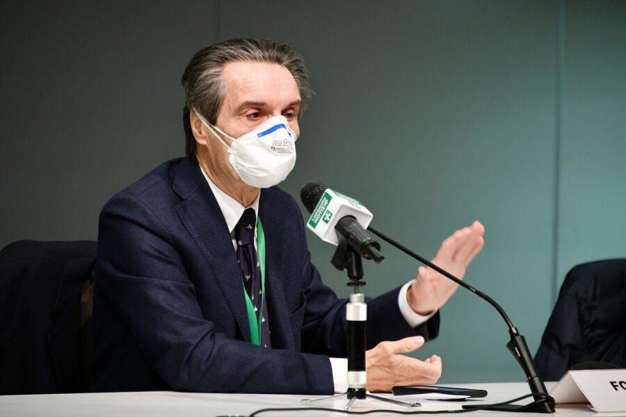 """Fontana indagato, il governatore si difende: """"Storia pazzesca"""". Ma i 5 Stelle preparano la sfiducia"""