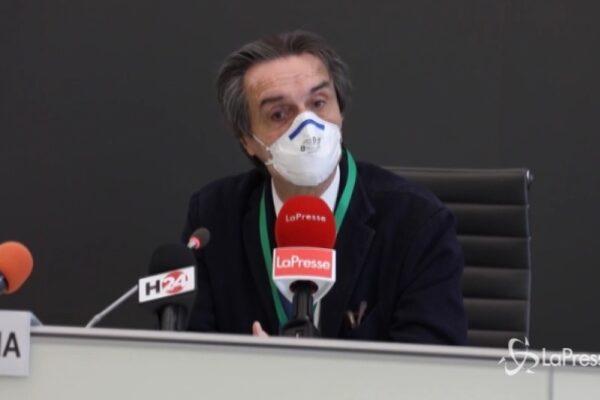 """Fontana: """"Contagio? Rispetto ad altre regioni Lombardia ha contenuto bene"""". E la rete insorge"""
