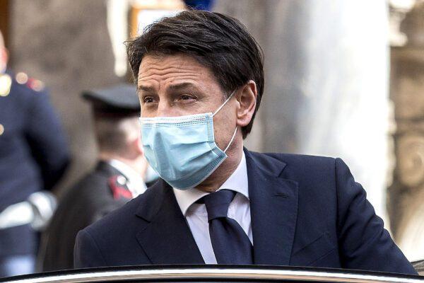 Le bugie di Conte, premier che ha ridotto il Parlamento a suo barboncino