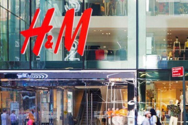 """Dramma lavoro, il commesso di H&M: """"Ho dovuto dire ai miei colleghi che chiudevamo per sempre"""""""