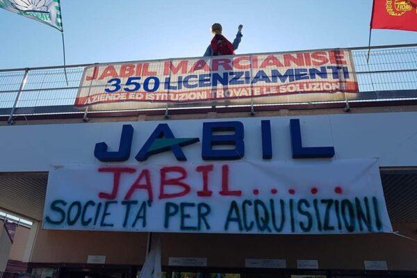 Jabil ritira i 190 licenziamenti di Marcianise, la svolta dopo 7 ore di trattative