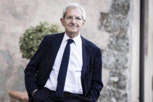 Giornali servi, giustizia a pezzi: parla Luciano Violante