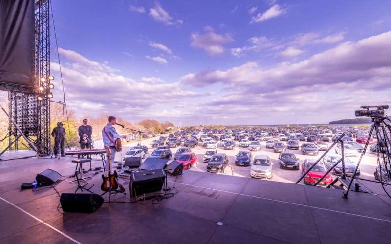 Concerti drive-in, la soluzione per ascoltare musica dal vivo ai tempi del covid