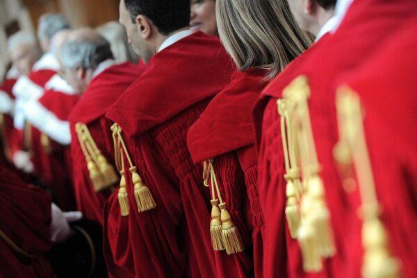 Il paradosso dei giudici italiani: fanno leggi, condannano e vigilano sulle prigioni
