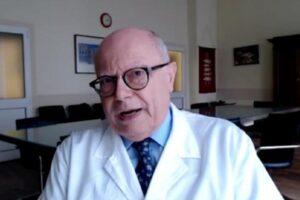 """Vaccino anti-covid, Galli attacca: """"Sanitari che rifiutano di farselo dovrebbero cambiare mestiere"""""""