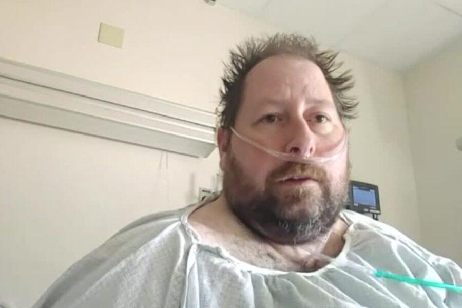 """""""Credevo che il coronavirus fosse un complotto del governo"""", negazionista finisce in terapia intensiva"""