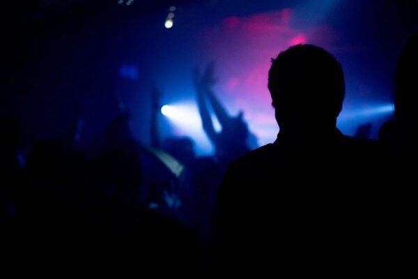 I balli del contagio: l'allarme dei Covid-party negli Stati Uniti