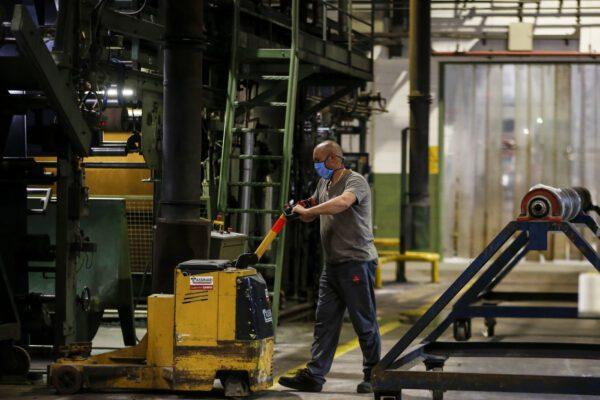 """Il Pil italiano crolla del 12,4% nel secondo trimestre: è un calo """"senza precedenti"""""""