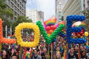 """Legge contro l'omofobia alla Camera, la Cei: """"Non serve"""""""