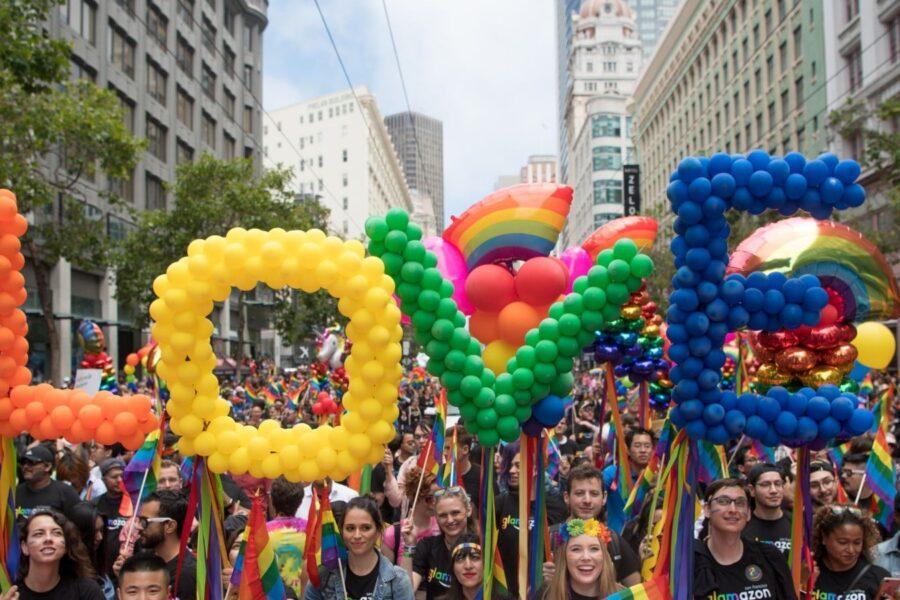 """Omofobia, Mattarella: """"Lede i diritti umani"""". Conte: """"Serve una legge"""""""