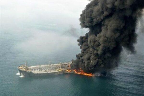 Iran, affondata nave per errore durante un'esercitazione: 19 morti