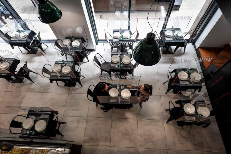 Come evitare il contagio al ristorante, la proposta degli chef per la riapertura