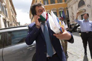 Open Arms, no della Giunta del Senato al processo a Salvini: Italia Viva non vota