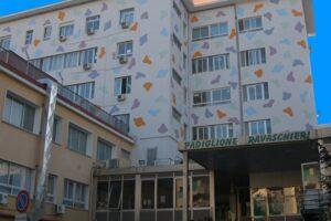 Schianto tra auto, muore bimba di 4 anni all'ospedale Santobono di Napoli