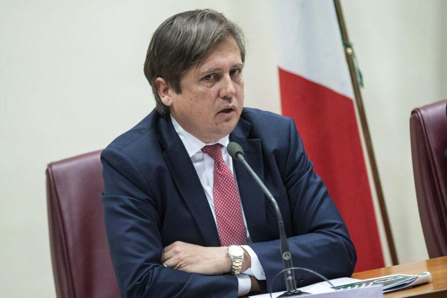 Il viceministro Sileri sotto scorta, minacce sulla destinazione dei fondi per l'emergenza Covid