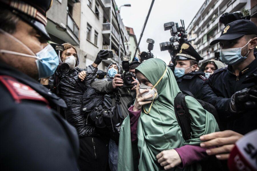 Il caso Silvia Romano e l'odio degli italiani: per favore un po' di serietà