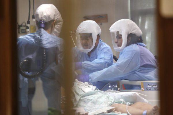 Coronavirus, raddoppiano i tamponi: 190 nuovi casi, tre regioni covid-free