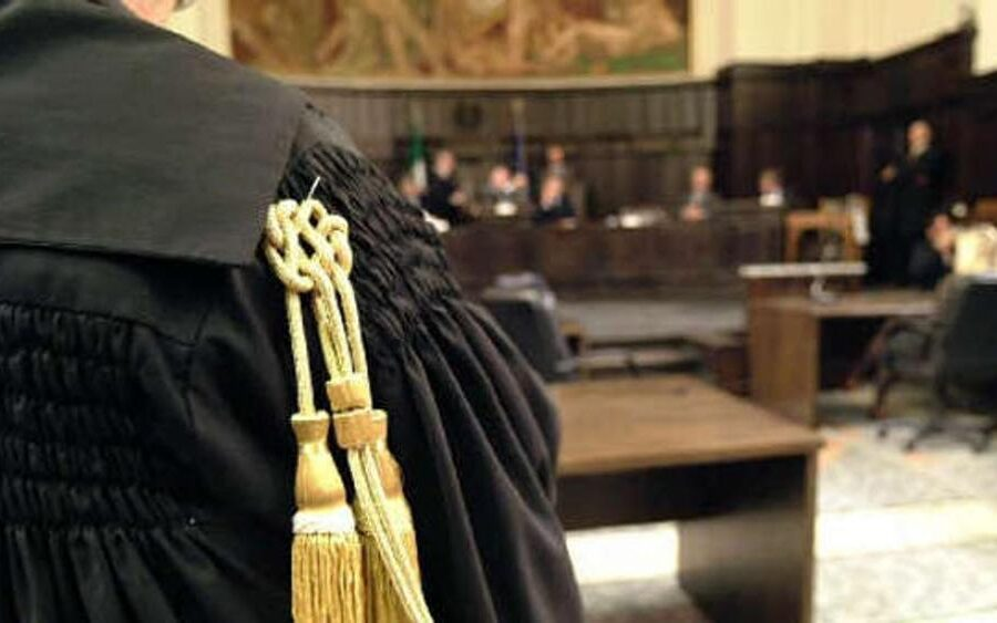 Dieci magistrati per un reato urbanistico: basta, depenalizziamoli