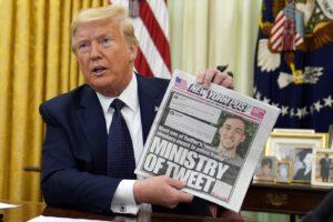 """Trump si vendica, decreto contro i social sospende l'immunità penale: """"Twitter fa attivismo politico"""""""