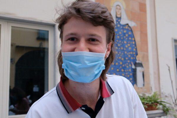 """La quarantena solidale di Vincent, lo studente Erasmus: """"A Napoli il vero contagio è la solidarietà"""""""