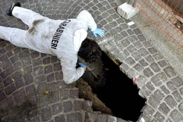 Sfruttano la chiesa per svaligiare supermercato: colpo da 20mila euro a Napoli
