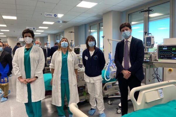 """Coronavirus, Speranza annuncia accordo sul vaccino: """"Prodotto anche in Italia, in autunno prime dosi"""""""