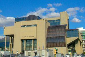 Tribunale di Torre Annunziata, uffici paralizzati e processi rinviati al 2021