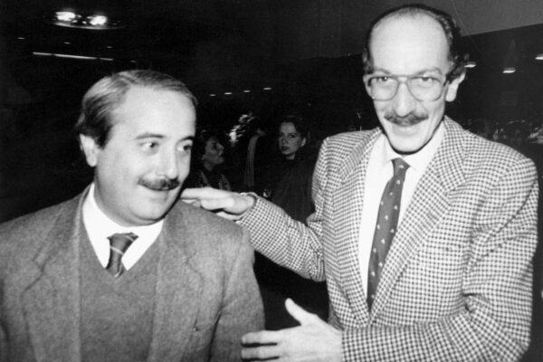 """Magistratopoli, parla Giuseppe Ayala: """"Csm verminaio, Falcone capì tutto 30 anni fa"""""""