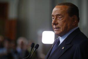 """Berlusconi, bollettino rassicurante dal San Raffaele: """"Quadro clinico in costante miglioramento"""""""