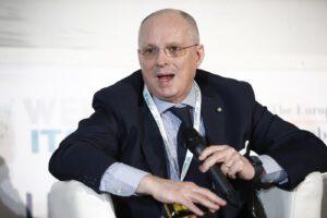"""Ricciardi sul vaccino: """"Prime dosi in autunno, produzione anche in Italia"""""""