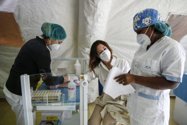 Bollettino Coronavirus, 574 nuovi casi e tre morti