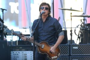 """NATIONAL PHOTO GROUPSir Paul McCartney takes over Hollywood Boulevard as he performs live onstage at the """"Jimmy Kimmel Live!"""" show in Hollywood. Job: 092313K3Non-Exclusive  September 23rd, 2013  Los Angeles, CANPG.com  LaPresseOnly Italy"""