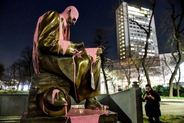 """Montanelli e la sposa bambina africana: """"perché quella statua va tolta"""""""