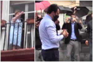 """Fiori di Salvini a poliziotto ucciso, protesta dai balconi a Napoli: """"Non strumentalizzare, vai via"""""""