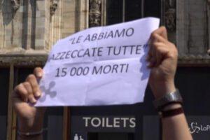 """A Milano centro destra in piazza, tensione con i centri sociali: """"Gallera e Fontana sono degli assassini"""""""
