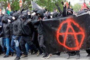 Anarchici arrestati, in manette senza gravi indizi
