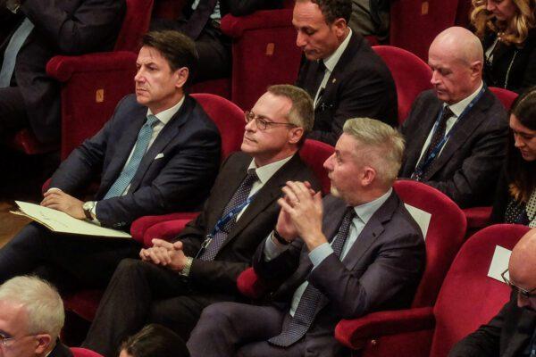 Confindustria più di un partito, la strategia di Bonomi contro il governo e le critiche a Visco